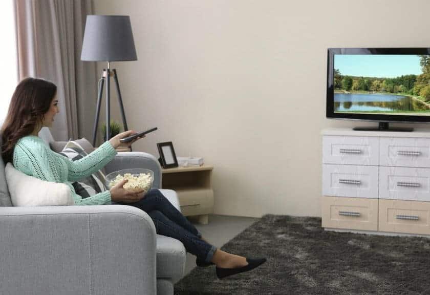 smart TV, televisi, menonton televisi, beli tv