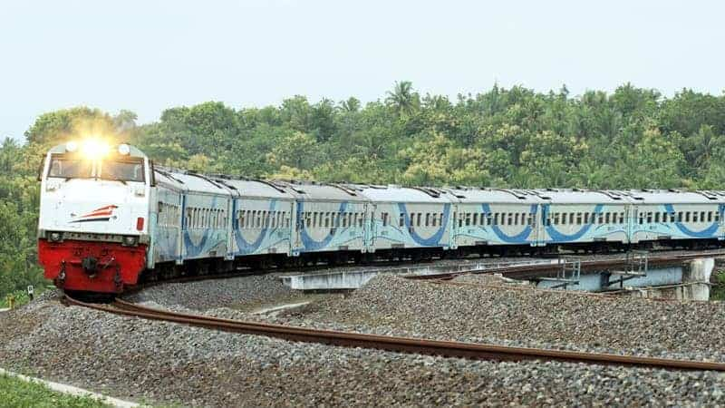 kereta api, tidur di kereta api, tiket kereta api
