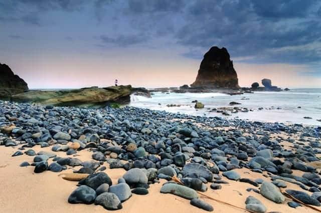 panorama Pantai Papuma pegipegicom