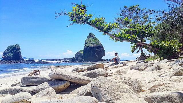 pantai watu ulo kitamuda