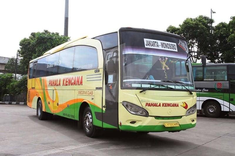 bus Pahala Kencana