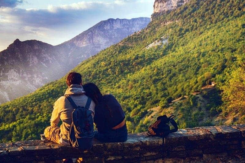 Cara Menumbuhkan Kembali Rasa Cinta Yang Hampir Pudar