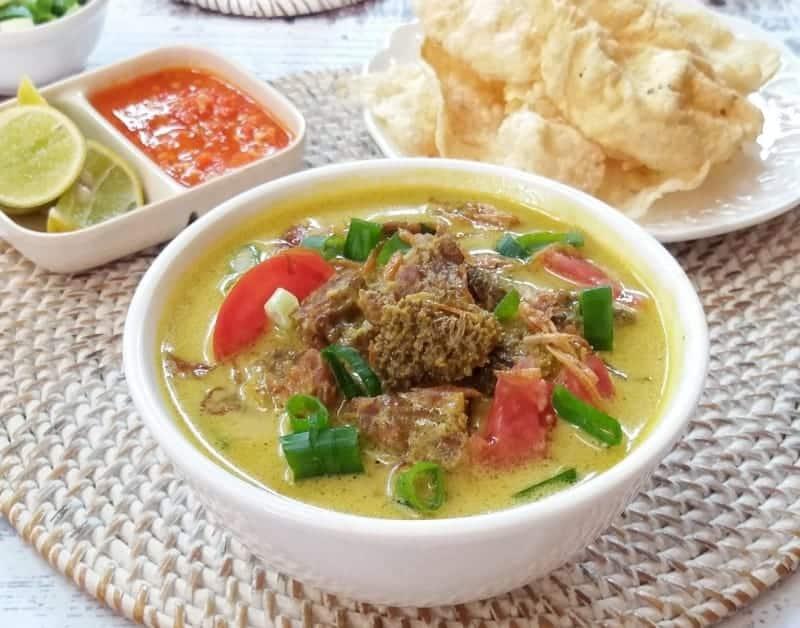 wisata kuliner soto kuning, soto khas indonesia