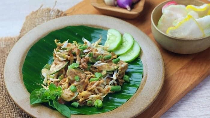 Kuliner Khas Bandung: Karedok