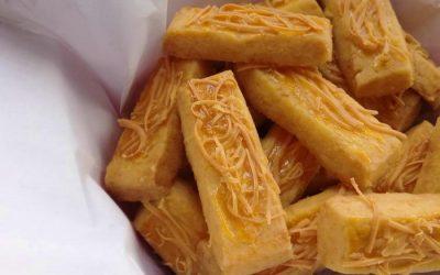 Cara Membuat Kastengel (Kue Keju Belanda-Indonesia)