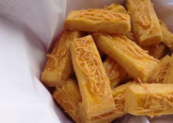 Cara membuat Kastengel,Kue Kering Keju Kastengel
