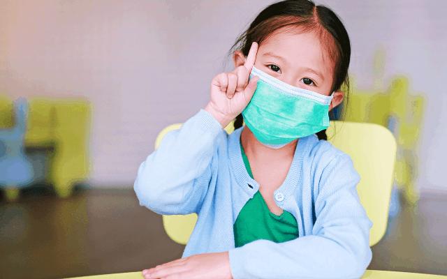 Anak kecil juga tahu pentingnya menggunakan masker dimasa pandemi ini