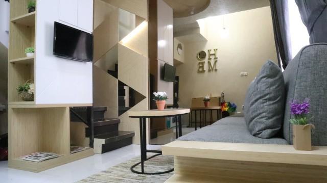 Ruang keluarga di Aparthouse River 8 Residence
