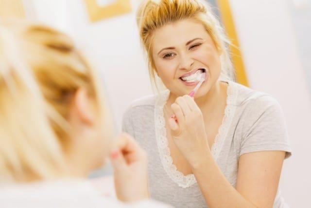 plak dan tartar, Sering menyikat gigi terhidar dari gusi berdarah loch