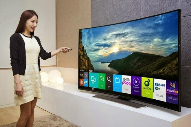 Smart TV Terbaik yang wajib dimiliki di rumah
