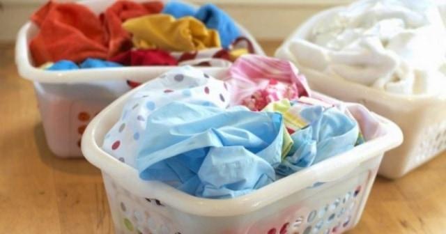 Sediakan wadah khusus untuk pakaian kotor