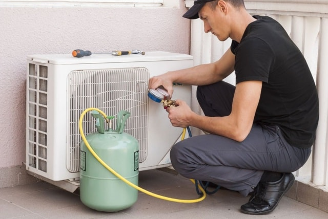 Lakukan pengecekan freon AC secara berkala agar AC tidak cepat rusak
