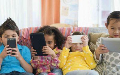 7+ Cara Mengatasi Kecanduan Gadget pada Anak