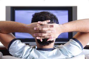 nonton tv menunggu adzan magrib, cara ngabuburit